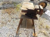 Bench Vise with stand